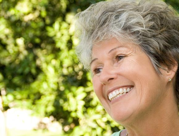 Dentist in Hartington | Optimal Gum Health for Seniors